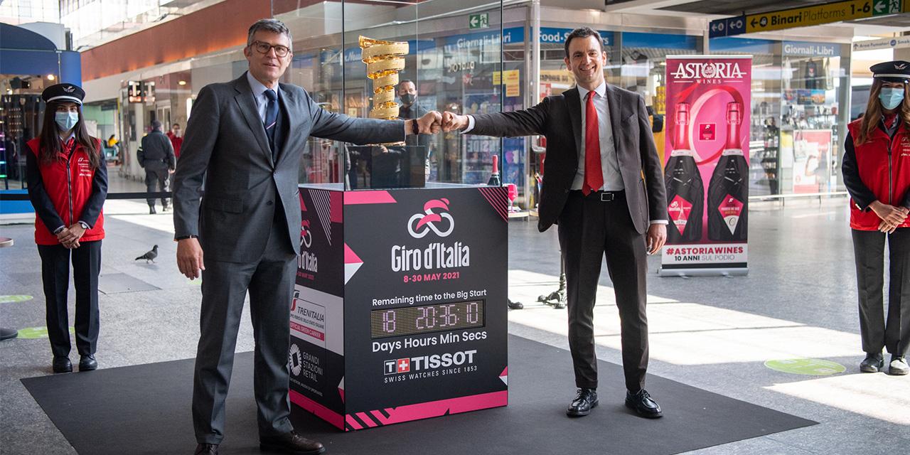 Il Trofeo Senza Fine alla Stazione Porta Nuova a Torino